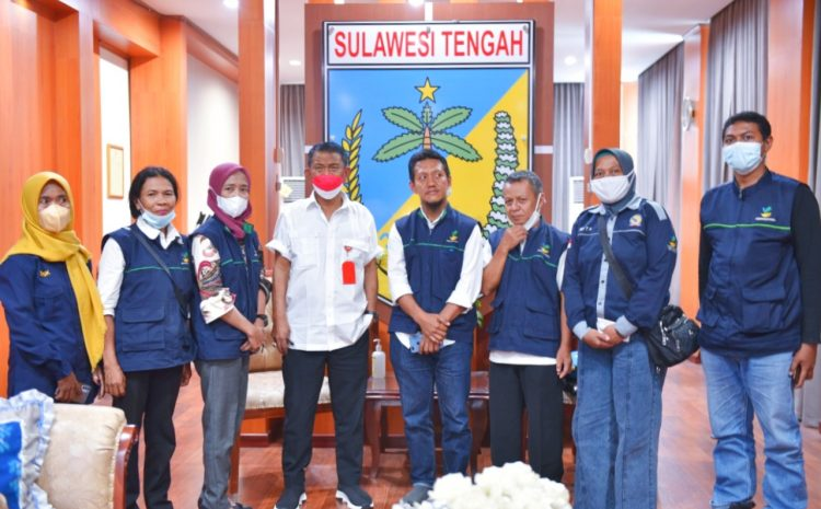 Gubernur Sulawesi Tengah H. Rusdy Mastura, Menerima Ketua Tenaga Kerja Sosial Kecamatan (TKSK) Mohamad Natsir ,SP, MP. Rabu, 13 Oktober 2021.